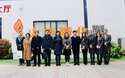 扬州市广陵团区委书记顾馨一行参访火炬孵化总部